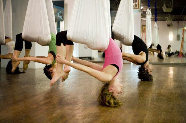 15_Crunch-AntiGravity-Yoga_no-credit_post