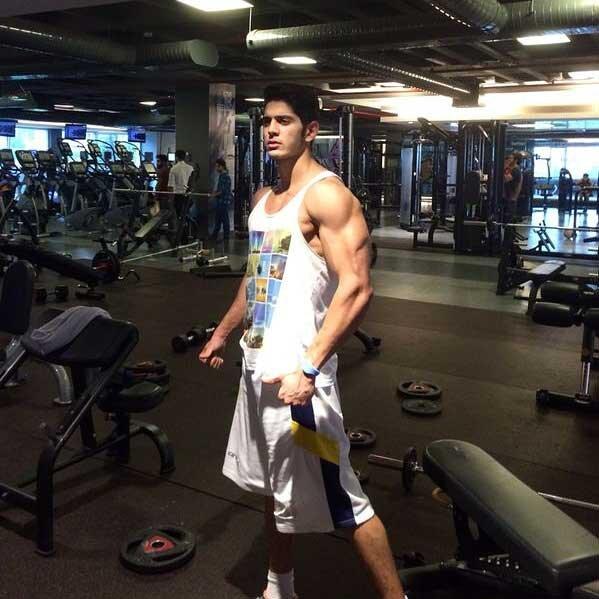İsacan Akhan, çalıştığı spor salonunda.