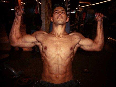 İsacan Akhan
