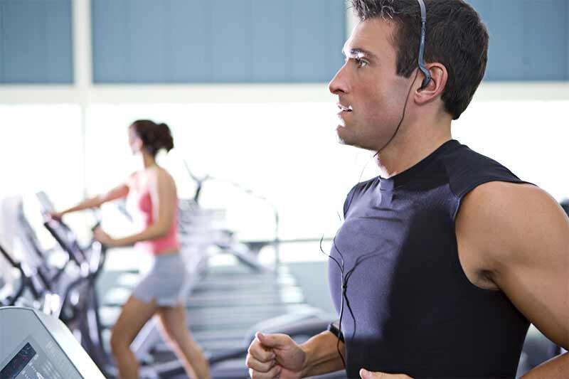 Yüksek sesle müzik dinlemek başkalarını rahatsız edebilir.