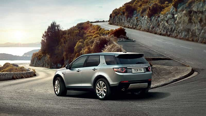 8 - Land-Rover-Discovery-Sport